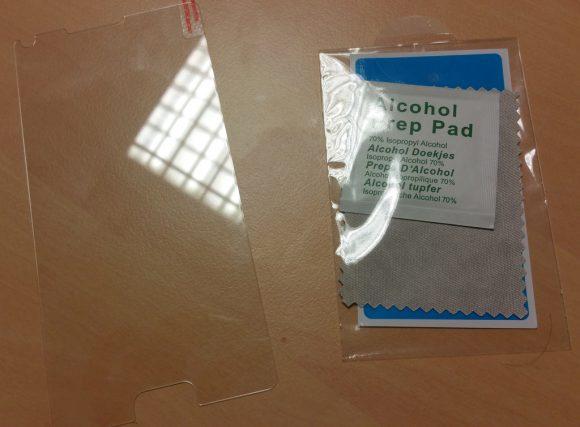 Le kit de pose et la protection d'écran pour Samsung Galaxy Note 4 Olixar en verre trempé