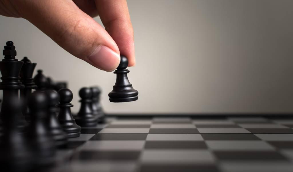 jouer au jeu d'échecs